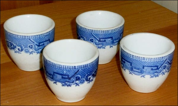 Blue Willow Culot Cups